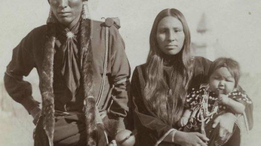 indigeneous-kiowa-family